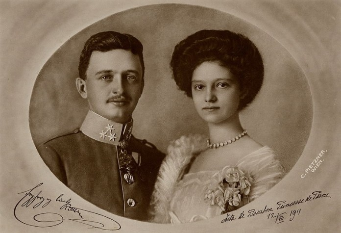 Official_wedding_portrait_july_12_1911